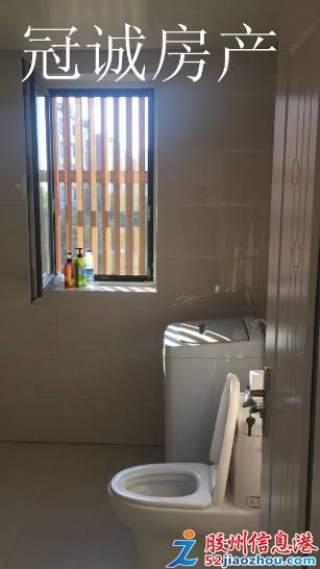 3室/1700元/105平米/馨河湾紧邻胶州一中多层二楼家具家电齐全拎包入住