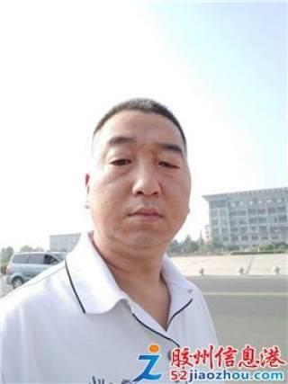 男/44岁/仓管员,叉车工