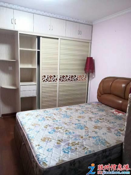 2室/1200元/90平米/景尚名都套二一�蔷��b首次�ν獬鲎�,月租1200,冰箱,洗衣�C